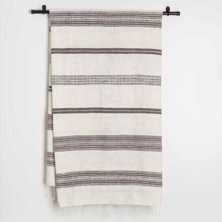 TWENTY ONE TONNES Grey Stripes Bath Towel