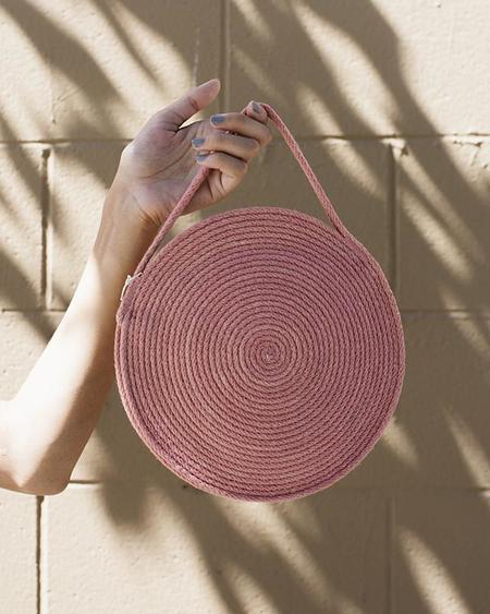 Catzorange Small Circle Tote in Desert Rose