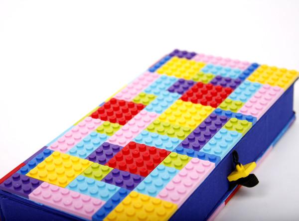 Chick Lit Designs LEGO Clutch