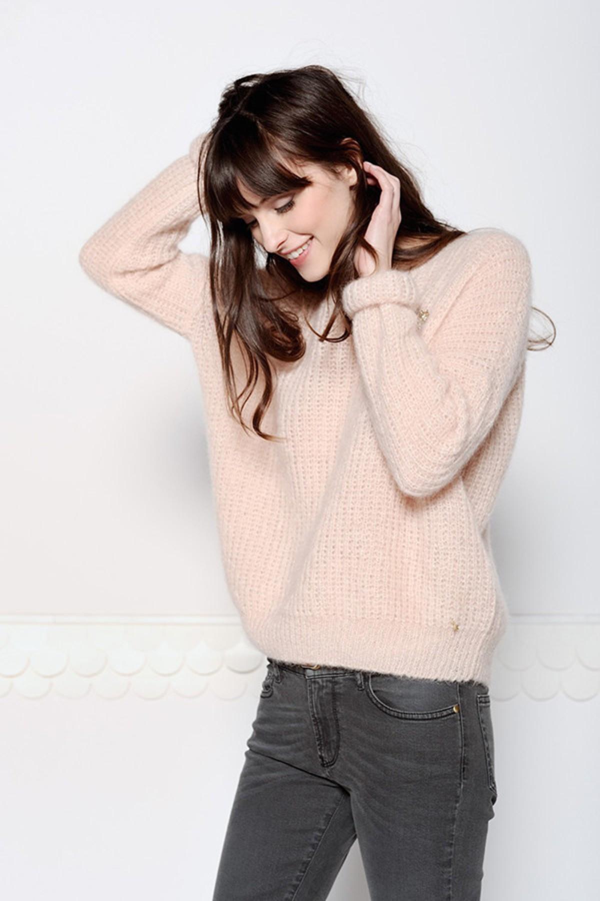 des petits hauts abrinou pale pink sweater garmentory. Black Bedroom Furniture Sets. Home Design Ideas