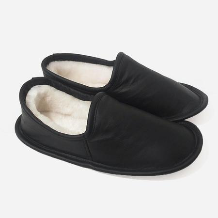 Woolfell Leather Slippers - Black with Sheepskin