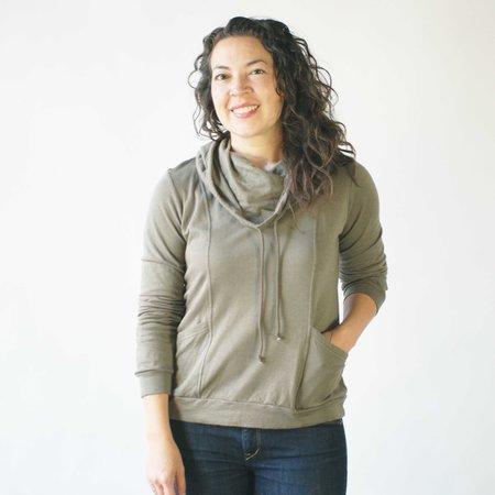 Curator Vivienne Hoodie in Mud