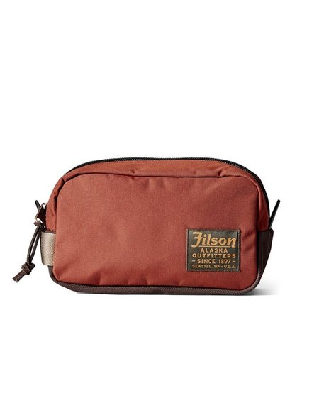 Filson Travel Pack in Rusted Red