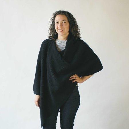 Erdaine Marquita Poncho in Black