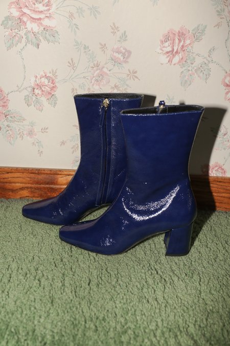 TRADEMARK Mira Crinkle Patent Boot in Navy