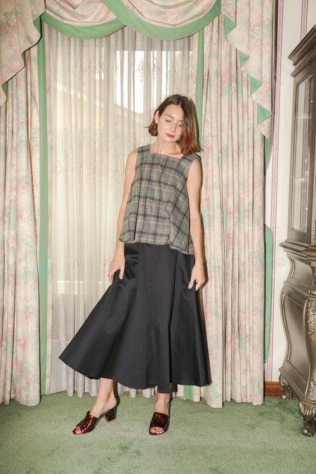 Wolcott : Takemoto Shadow Skirt in Navy Cotton Twill