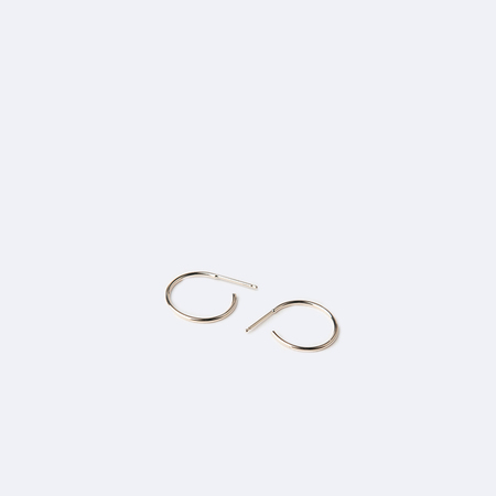 KRISTEN ELSPETH 14K Gold Small Thread Arc Hoops