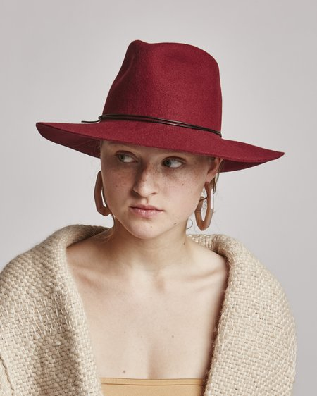 Brookes Boswell Wakefield Wool Hat in Wine