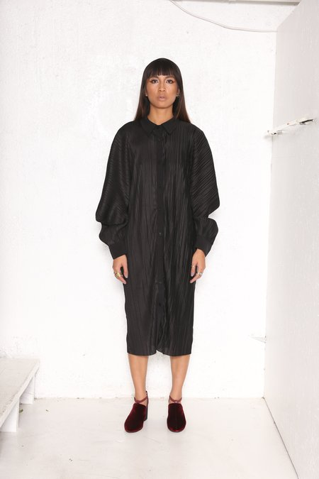 """INTENTIONALLY __________."" Capray Shirt Dress Black"