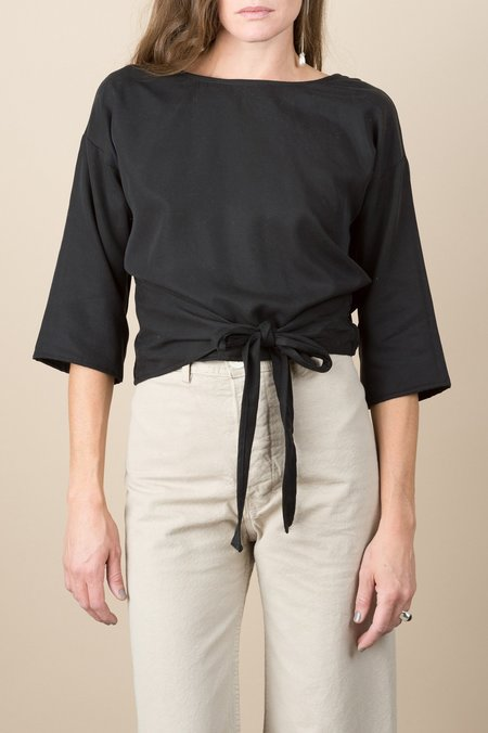 Hackwith Reversible Wrap Top In Black