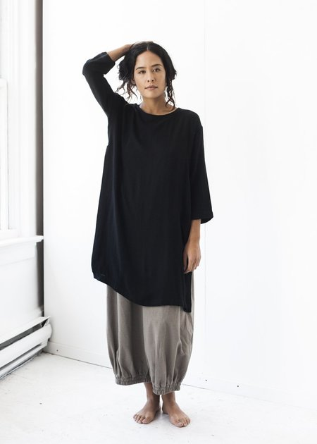 Black Crane Long Top in Black