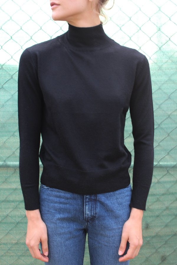 Beklina Cashmere Turtleneck - Black