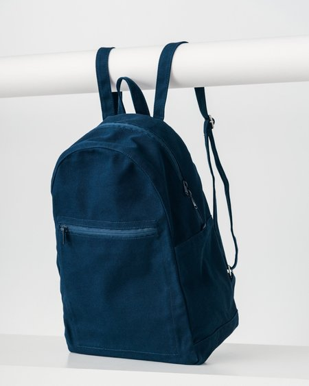 BAGGU Zip Backpack in Indigo