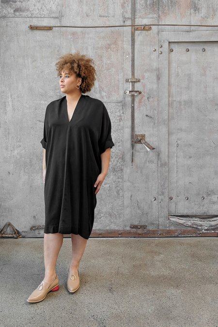 Hackwith Design House Plus Size Raw Finish Cocoon Dress - Black