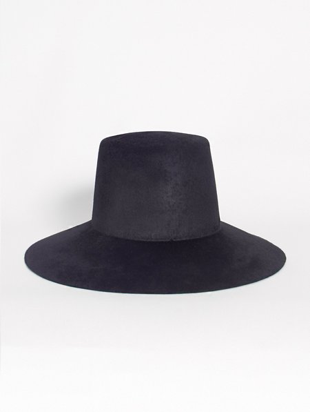 Reinhard Plank Strega Hat