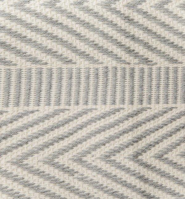 VOZ Chevron Scarf - Ivory/Gray