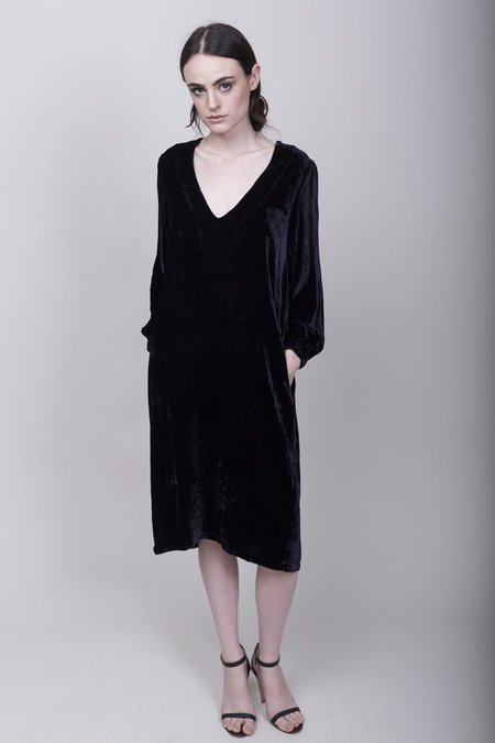 Raquel Allegra Velvet V-Neck Dress - Midnight