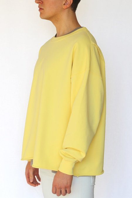 Commun des Mortels Optimist Yellow Oversized Raw-Edge Sweatshirt