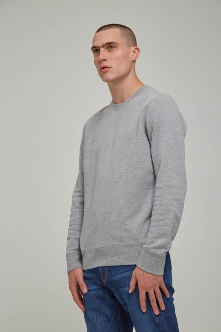 FRAME Denim French Terry Long Sleeve Crew in Gris