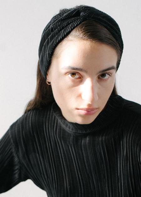 REIFhaus Turban Headband in Black Pleat