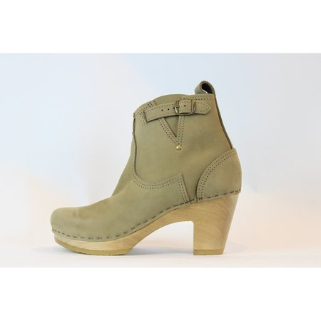 NO.6 Buckle Boot on High Heel - String