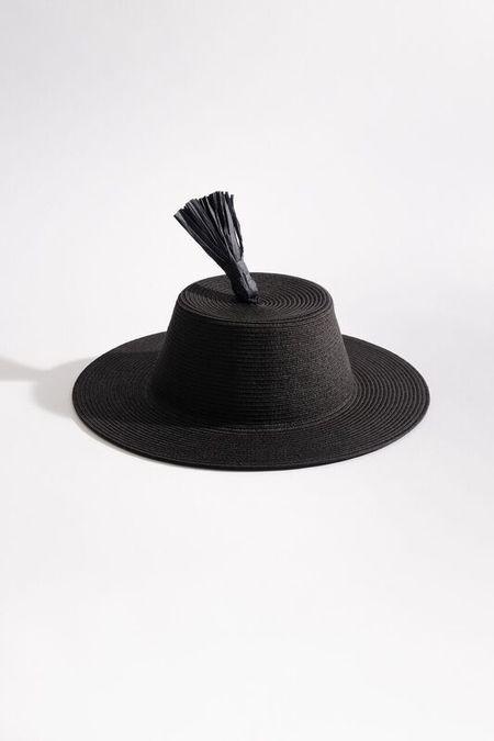 Samuji TASSEL HAT in Black