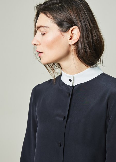 Ter et Bantine Stand-Collar Long Blouse