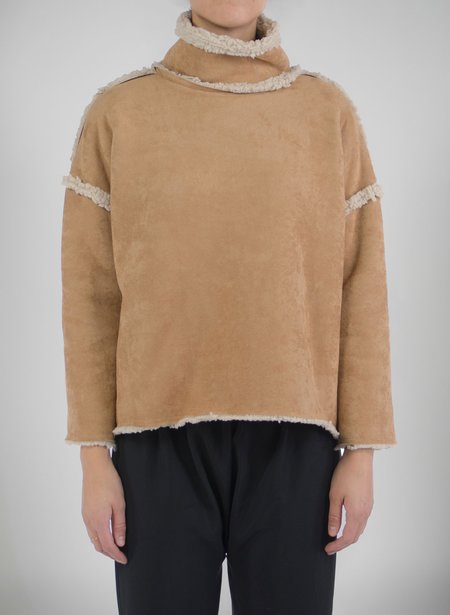 Priory Shop Que Sweater (Raw Seams) - Tan Shearling