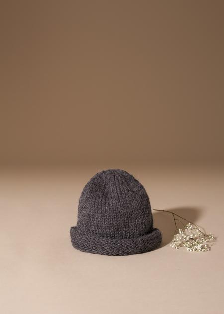 Tsuyumi Baby Alpaca Hand Knit Beanie - charcoal