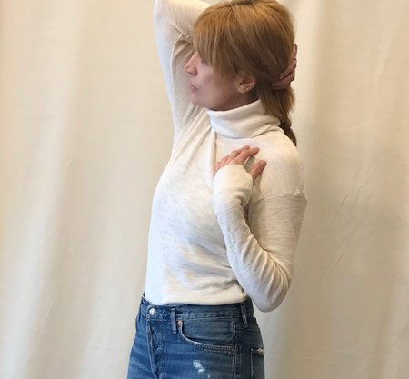 Calder Blake Sigrid Turtleneck in Creme and Navy