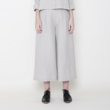 7115 by Szeki Signature Linen Cropped Wide Legged Trouser - Oatmeal