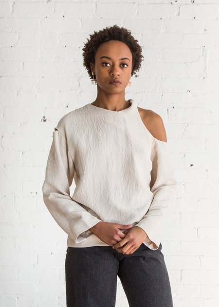 Nomia L/S Twist Shoulder Top Matte Sand